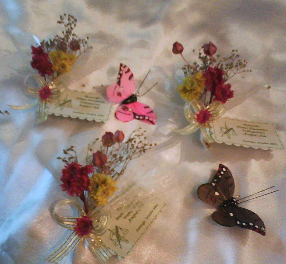Abanicos decorados con flores secas